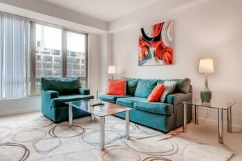 Global Luxury Suites at Kendall Square