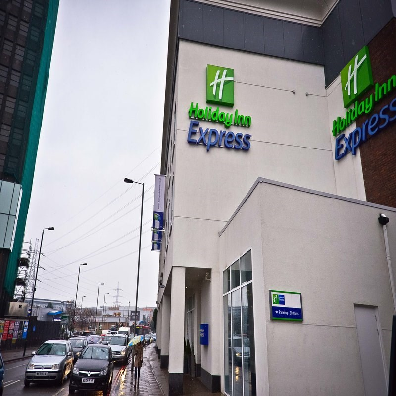 Holiday Inn Express Wimbledon South