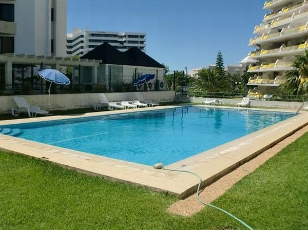 APARTMENTS ALGAMAR