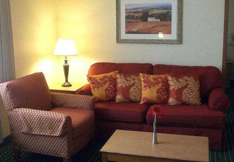 TownePlace Suites Anaheim Maingate Near Angel