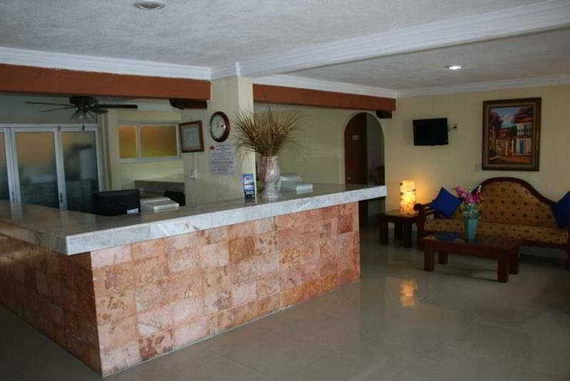 Suites Cancun Center