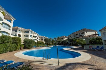 Apartment With 3 Bedrooms in Marbella, With Wonderful sea View, Pool A