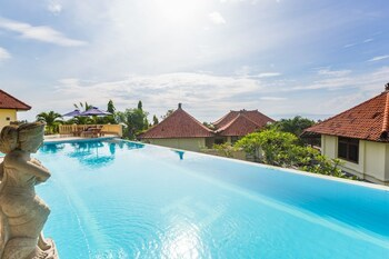 Taman Ujung Villa Resort & Spa