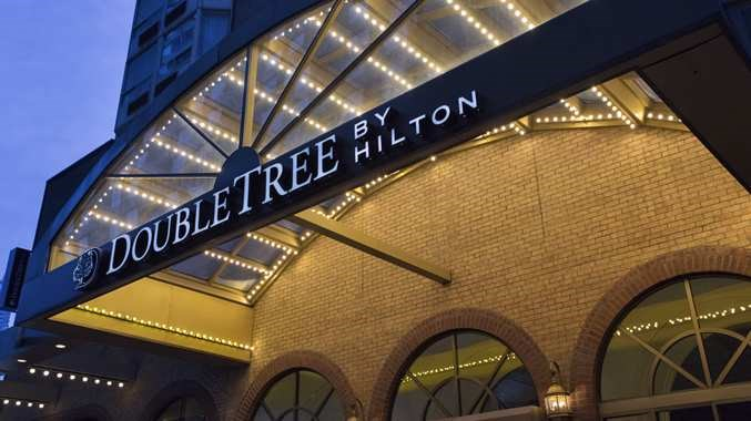 DOUBLETREE BY HILTON HOTEL TORONTO DOWNTOWN