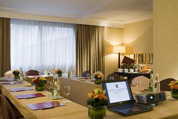 Hotel Warwick Champs-Elysees