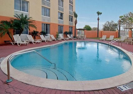 QUALITY INN AND SUITES UNIVERSAL STUDIOS AREA