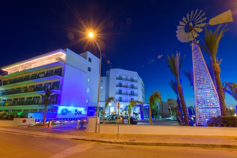 TASIA MARIS BEACH HOTEL AND SPA (ADULTS ONLY)