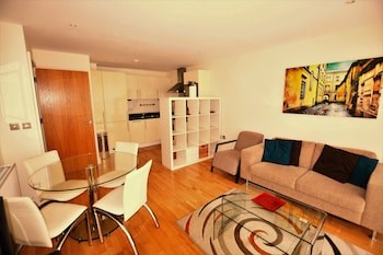 Zen Apartments - City Airport London