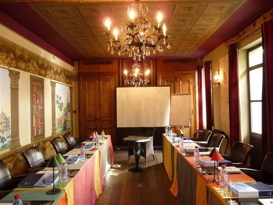 Relais Monceau - Meeting Room.jpg