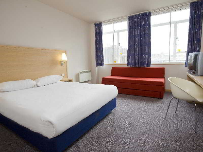 Travelodge London Croydon Central Hotel