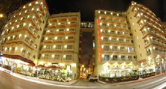 Plaza & Plaza Regency Apartments