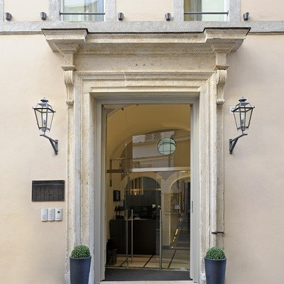 Trevi Palace Luxury Apartments (Junior Suite)