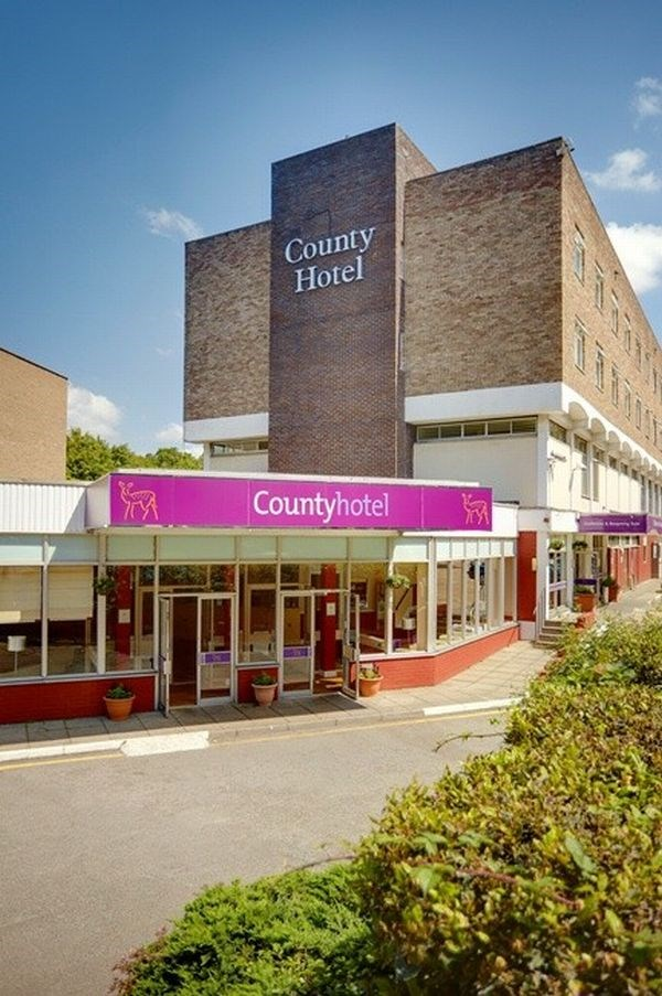HOTEL COUNTY WOODFORD
