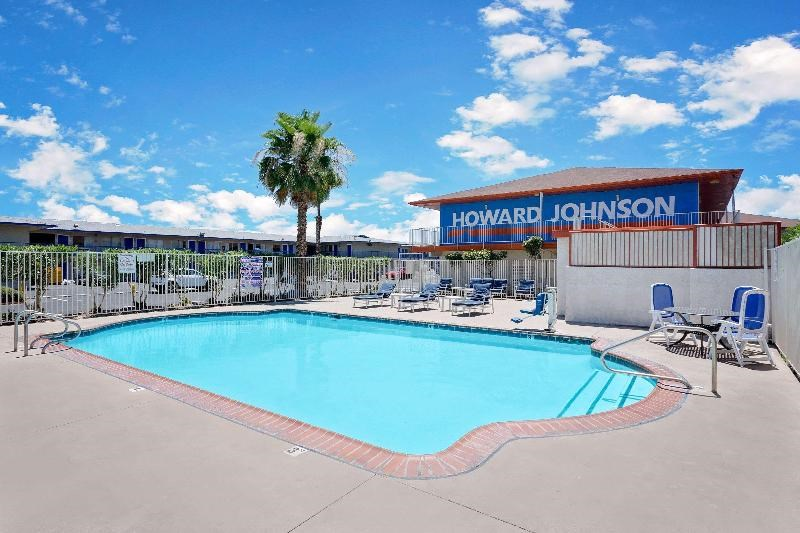 Howard Johnson on East Tropicana, Las Vegas Near T