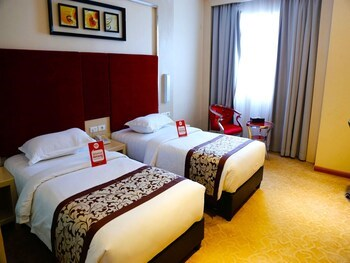 NIDA Rooms Water Front Lubuk Baja