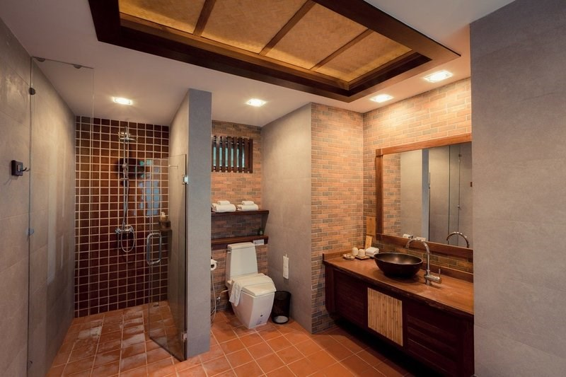 Tropical Family Cottage Bathroom