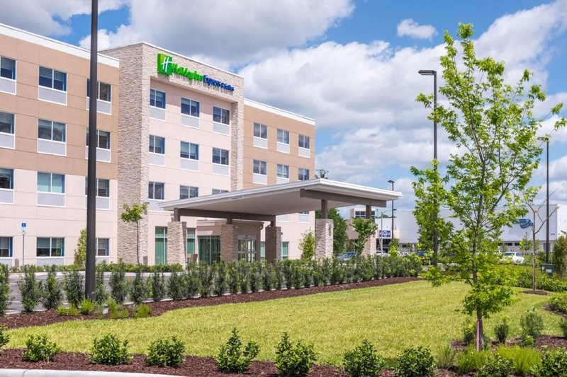 Holiday Inn Express and Suites Tampa North - Wesle