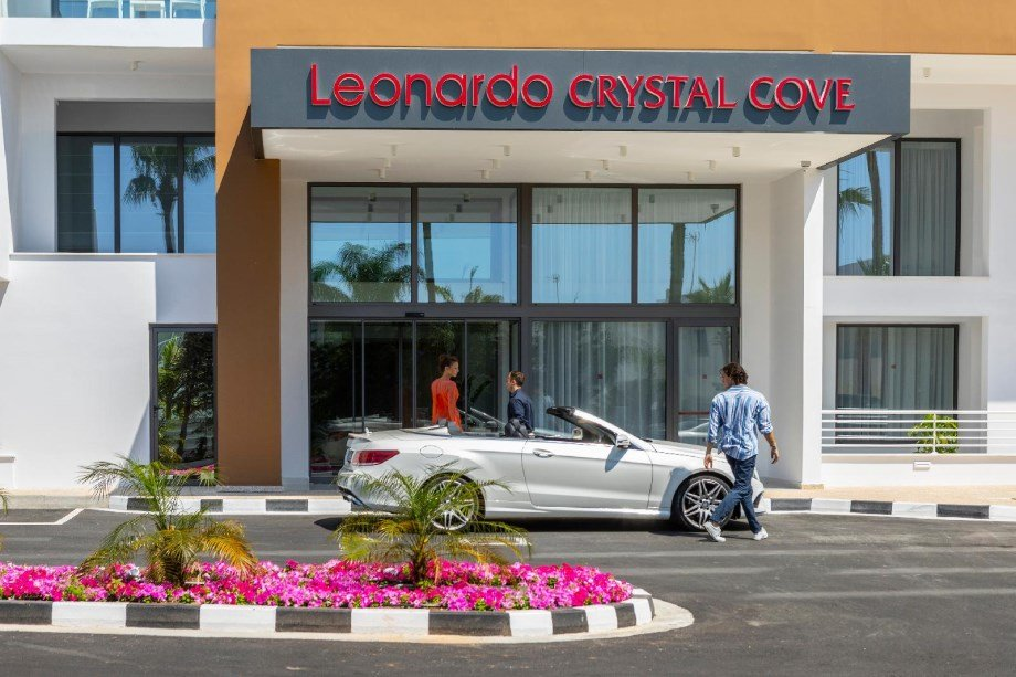 Leonardo Crystal Cove & Spa By The Sea - Adults Only