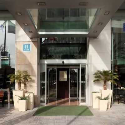 Holiday Inn Valencia (Minimum 2 Nights)