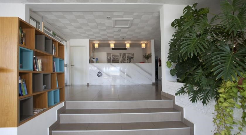 HOTEL APARTMENTS COSTANTIANA BEACH