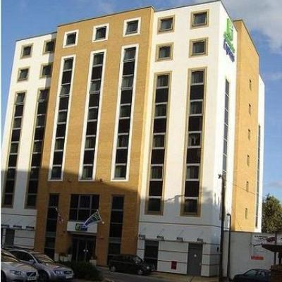 Holiday Inn Express London-Watford Junction (28km from London)