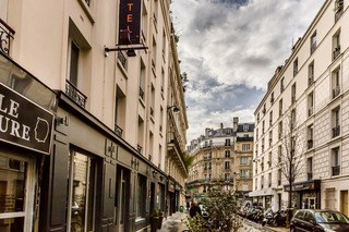 District Republique Hotel