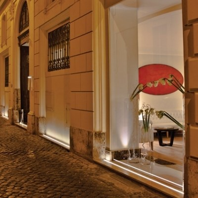 The First Luxury Art Hotel Roma (Art Suite)