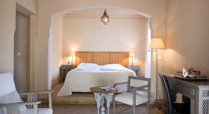 Hotel Les Deux Tours
