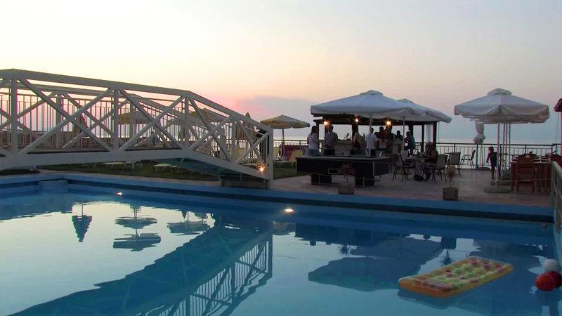 Ekavi Beach Hotel