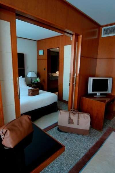 Goldstars Resort & Suites