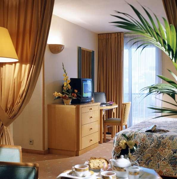 Mercure Cannes Croisette Beach Hotel