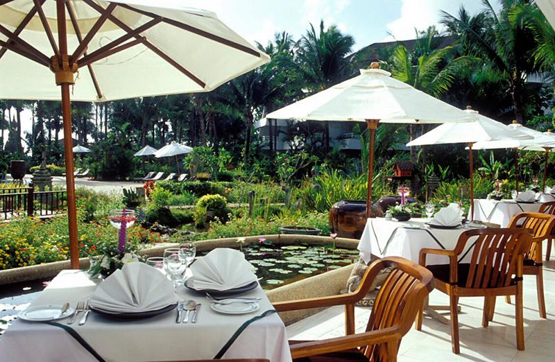 Thavorn Palm Beach Resort