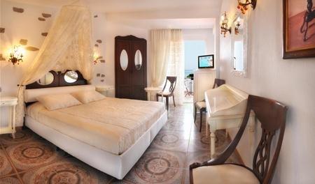 Antigoni Beach Hotel & Suites