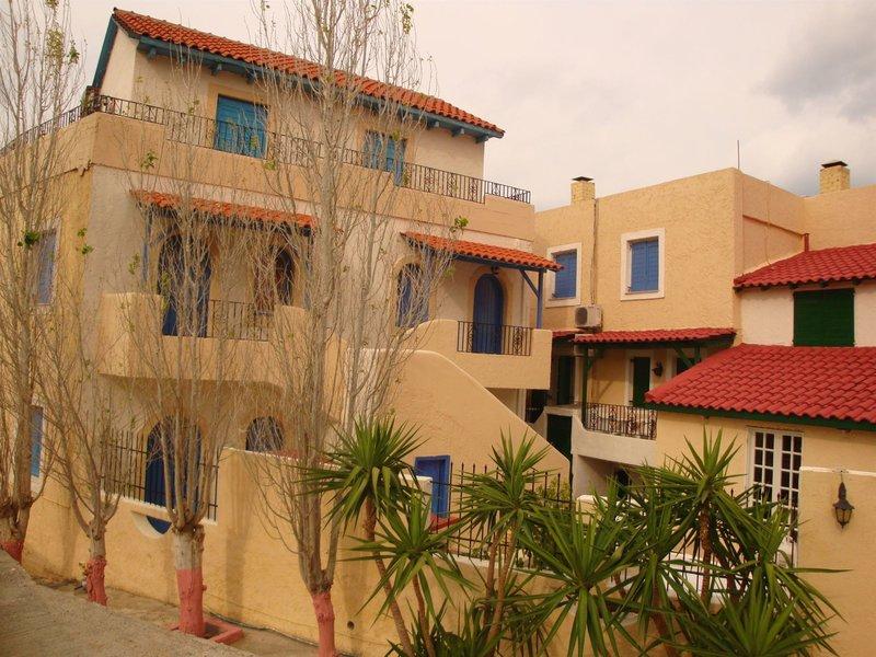 Maria Flora Apartments