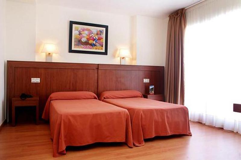 Mayna Hotel